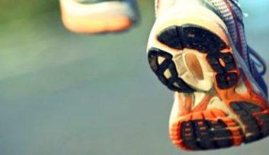 Die Vorteile von Barfußlaufschuhen gegenüber klassischen Laufschuhen