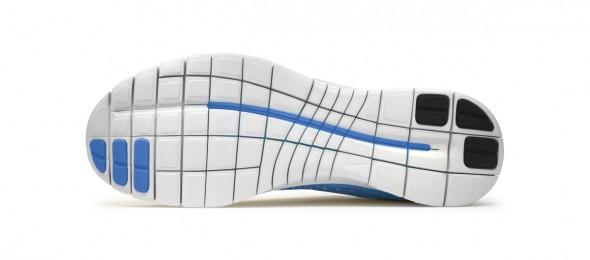 Das Bild zeigt die Sohle des Nike Free 3.0. Die Sohle ist in viele kleine Segmente aufgeteilt.
