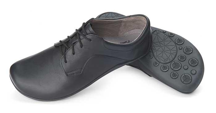 Joe Nimble Business-Line: Hier das Modell BizToes - aus schwarzem Rindnappaleder