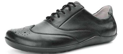 Der Joe Nimble Trade Toes - der schicke Budapester wirkt durch das schwarze Leder und die feinen Strukturen sehr elegant. Bild: Joe Nimble/Bär Schuhe