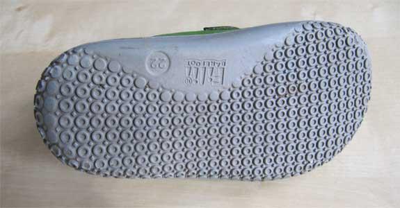 Die Sohle der getestet Filii Schuhe besteht aus vielen kleinen Noppen, die sehr abriebfest sind.