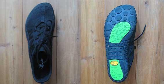 Die nimbleToes sind hinten so geschnitten, das sie eng am Fuß sitzen - vorne, etwa ab der Höhe des Ballens, werden sie ganz weit, so dass die Zehen sehr viel Zehenfreiheit genießen.