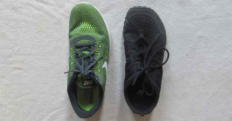 Links ein grüner Laufschuh von Nike, rechts ein schwarzer Neaker von Joe Nimble.