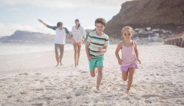 f74c72226e Vergleichsstudie mit Kindern: Barfußgehen besser als Schuhe tragen