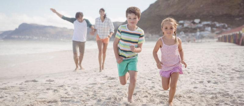 Vergleichsstudie mit Kindern: Barfußgehen besser als Schuhe tragen